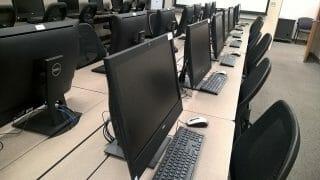 コンピュータ教室イメージ